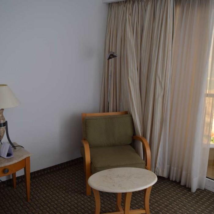 פינת ישיבה החדר מלון דיוויד ים המלח