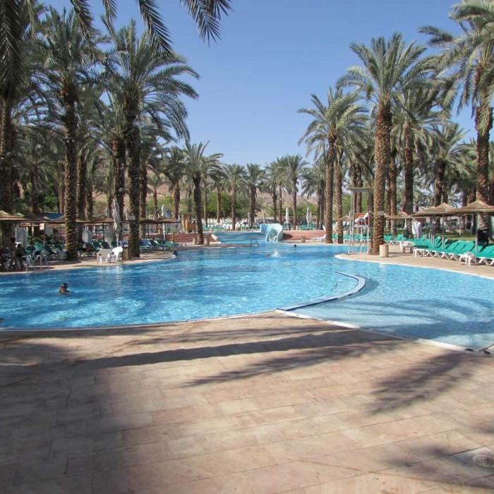 הבריכה המרכזית מלון דיוויד ים המלח