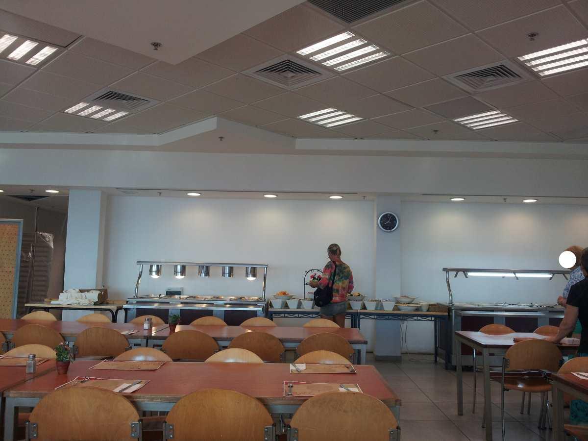 חדר ארוחת הבוקר אכסניית עין גדי ים המלח