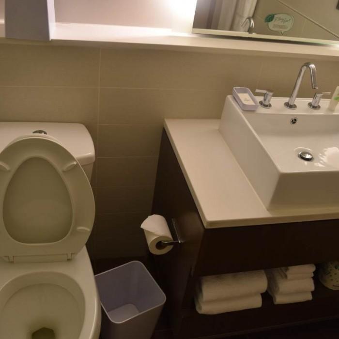 חדר המקלחת מלון אלמנט ניו יורק