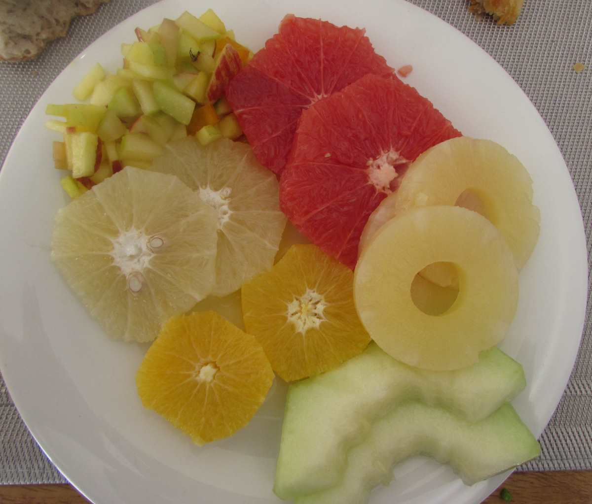 לפתנים ארוחת בוקר מלון הרודס ים המלח
