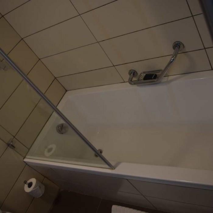 האמבטיה מלון הרודס ים המלח
