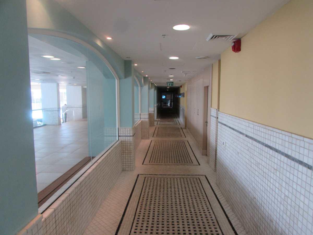 מסדרון הכניסה לספא ספא מלון הרודס ים המלח