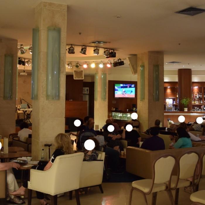 הלובי מלון הוד המדבר ים המלח