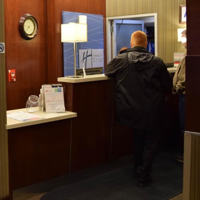 הקבלה מלון הולידיי אין השדרה החמישית ניו יורק