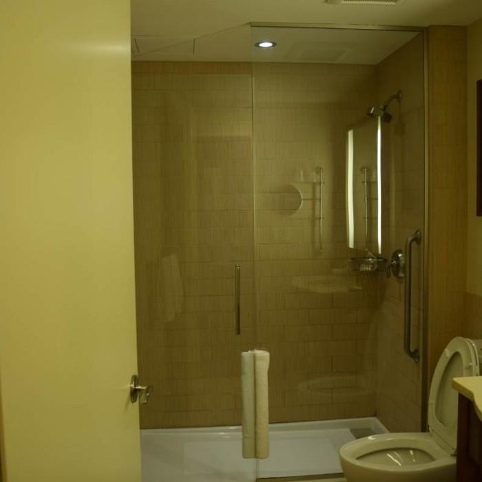 חדר האמבטיה מלון שרתון טרבייקה ניו יורק