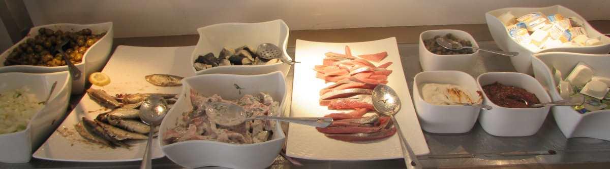 isrotel-ganim-dead-sea-hotel-breakfast-5