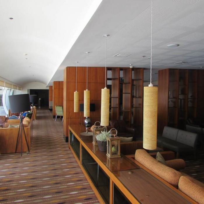 הלובי מלון ישרוטל גנים ים המלח