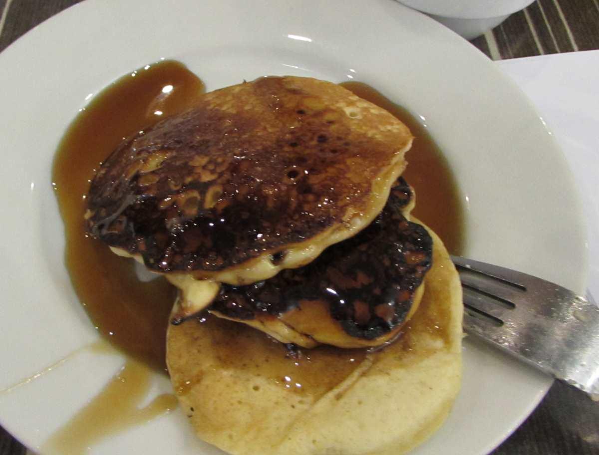 פנקייק ארוחת בוקר מלון לאונרדו קלאב ים המלח