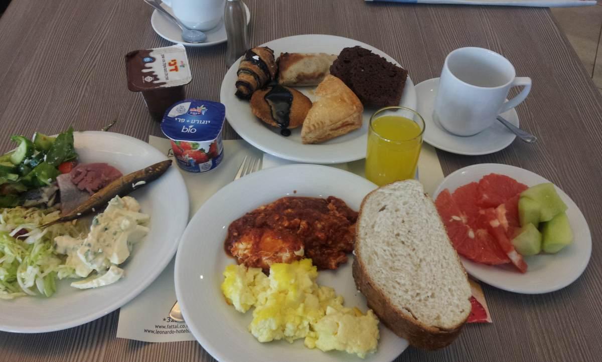 מבט כללי.. ארוחת בוקר מלון מג'יק פאלאס אילת