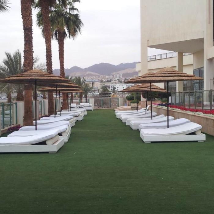 מקומות לשבת בבריכה מלון מג'יק פאלאס אילת