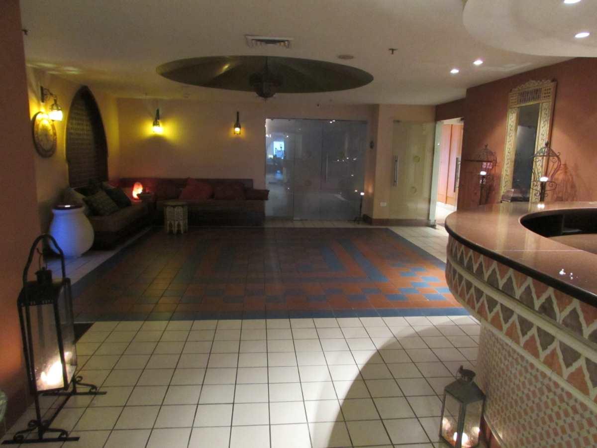 חדר המתנה ספא מלון אואזיס ים המלח