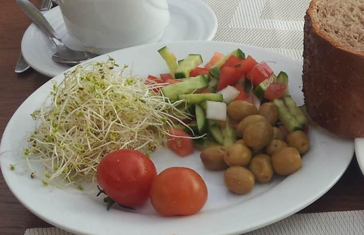 דברים יותר קלילים ארוחת בוקר אורכידאה אילת