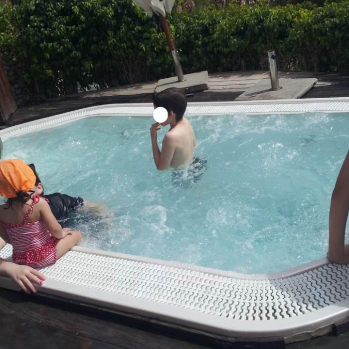 ג'קוזי שנמצא צמוד לבריכה מלון אורכידאה אילת