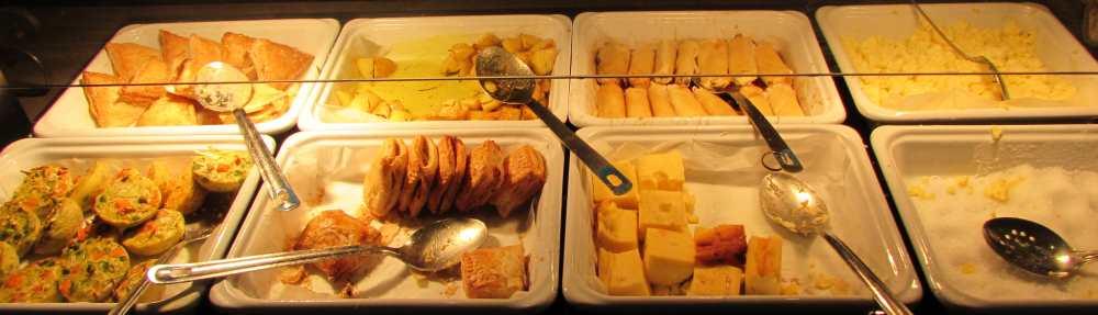 פשטידה, בלינצ'ס ביצה ארוחת בוקר מלון אסטרל סי סייד אילת