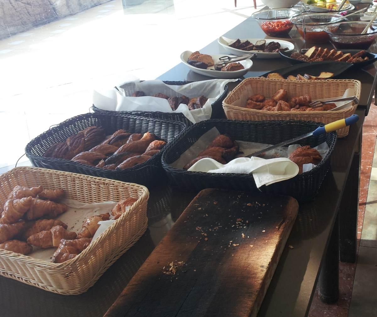 מאפים ארוחת בוקר מלון קראון פלאזה אילת