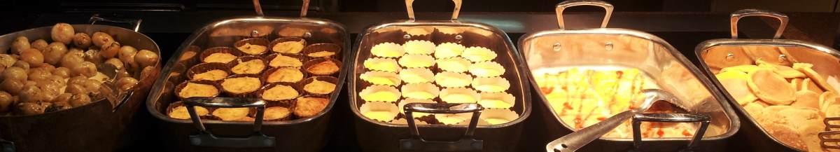 פנקייקס, קאפקייקס ארוחת בוקר מלון קראון פלאזה אילת