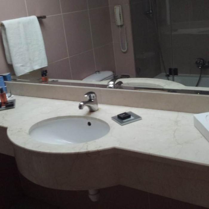 חדר אמבטיה מלון דן פנורמה אילת