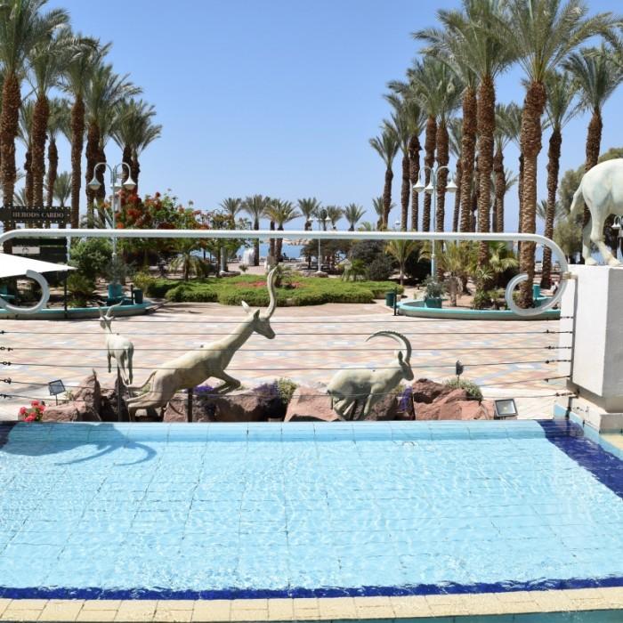 הכניסה למלון מהים מלון הרודס פאלאס אילת
