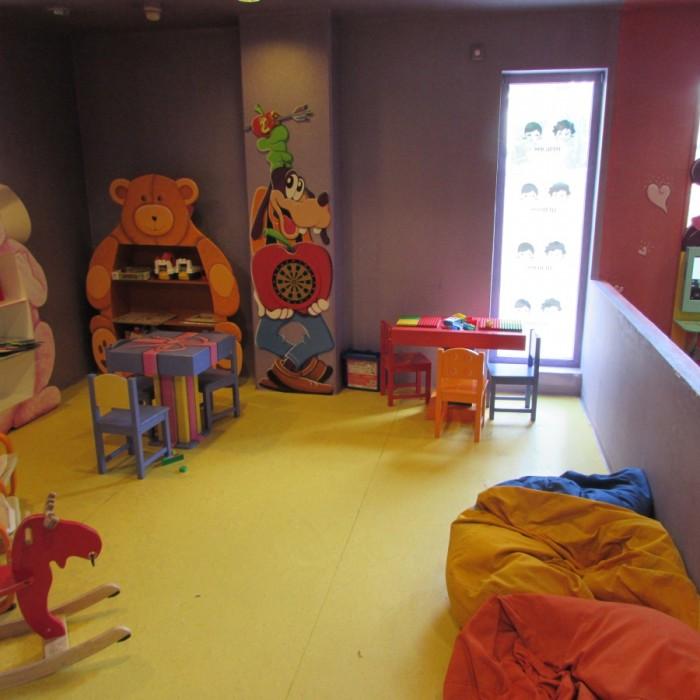 משחקי קופסא מועדון ילדים מלון הרודס פאלאס אילת