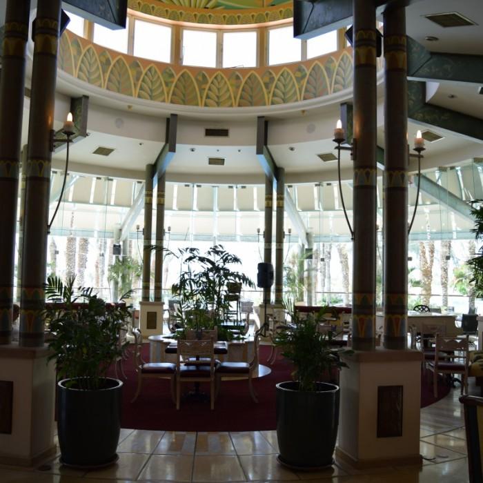 מתחם ישיבה בלובי מלון הרודס פאלאס אילת