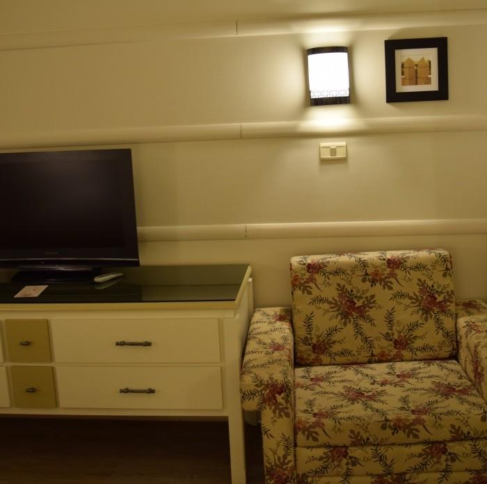 טלוויזיה, כורסא מלון הרודס פאלאס אילת