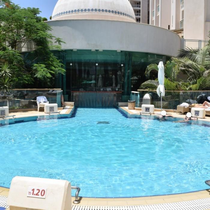 בריכת מים מתוקים, הבריכה החיצונית מלון הרודס ויטאליס אילת