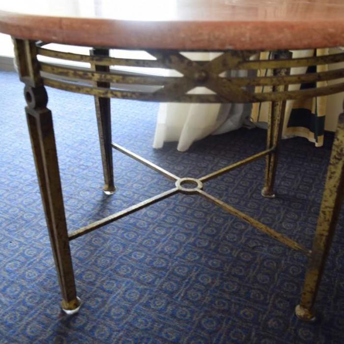 חלודה בברזל השולחן מלון הילטון אילת