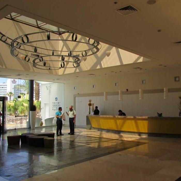 הכניסה למלון מלון אגמים אילת