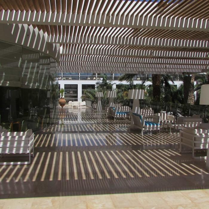 מתחם ישיבה חיצוני מלון אגמים אילת