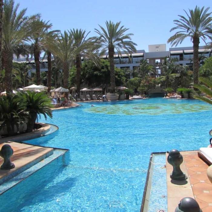 הבריכה מלון אגמים אילת