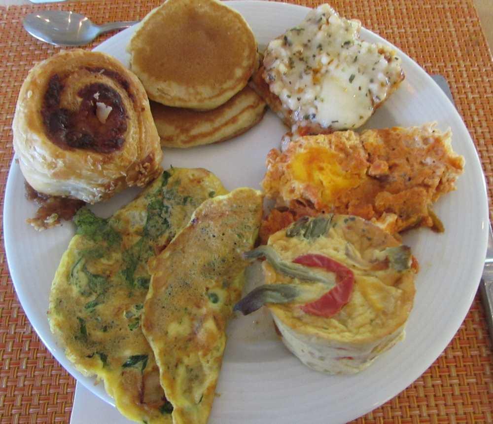 פנקייק, בורקס, שקשוקה, פשטידה, ביצה ארוחת בוקר מלון לגונה אילת