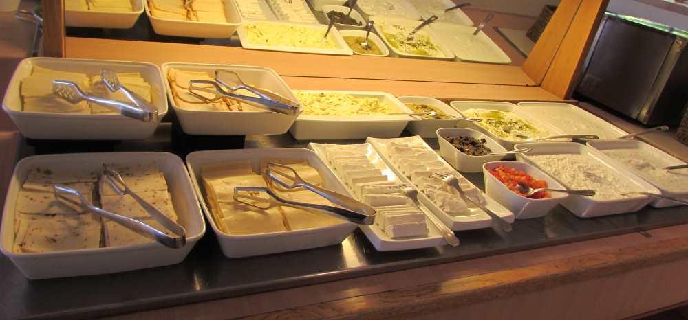 גבינות ארוחת בוקר מלון לגונה אילת