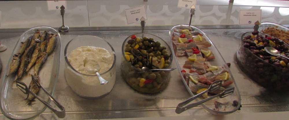 דגים וחמוצים ארוחת בוקר מלון ישרוטל ים סוף אילת