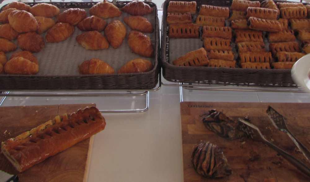 מאפים, עוגות ארוחת בוקר מלון ישרוטל ים סוף אילת