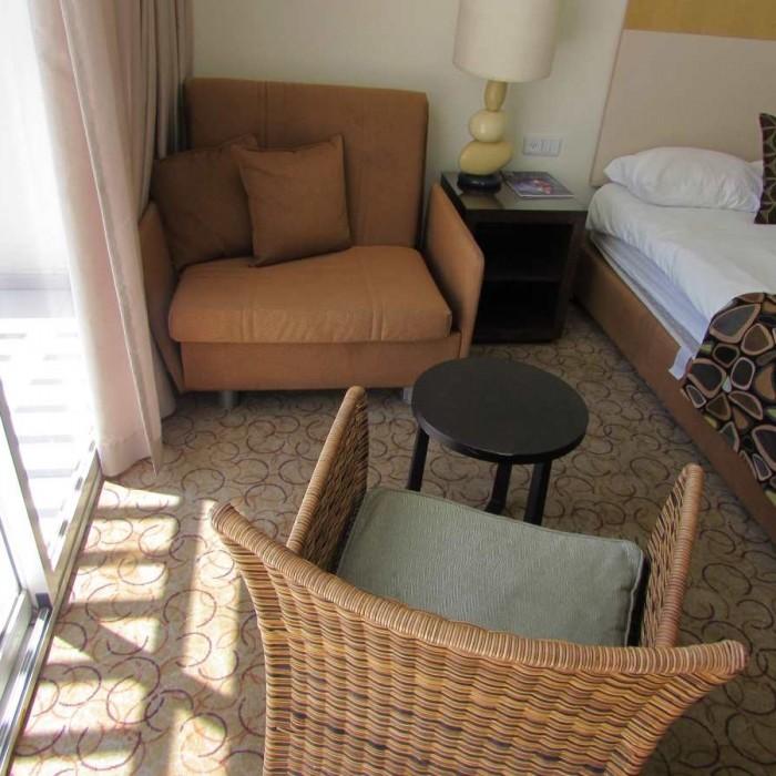 פינת ישיבה החדר מלון ישרוטל ים סוף אילת