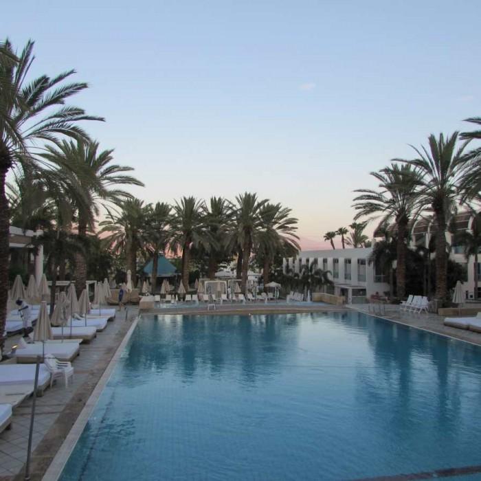 הבריכה והנוף לים מלון ישרוטל ים סוף אילת