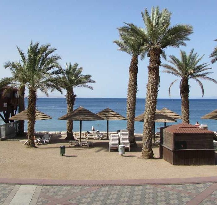 החוף הצמוד למלון מלון לאונרדות פלאזה אילת
