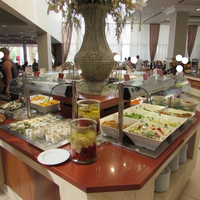 חדר האוכל מלון לאונרדות פלאזה אילת
