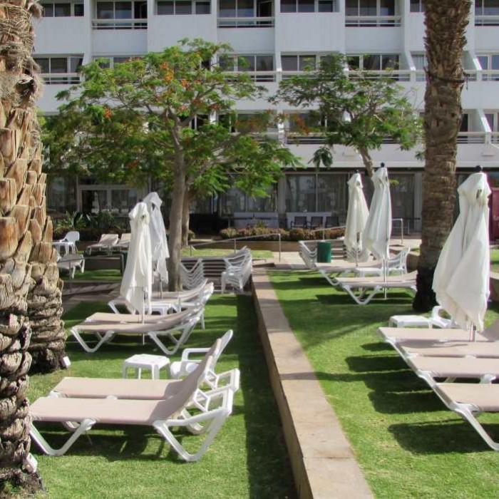 מקומות ישיבה הבריכה מלון לאונרדות פלאזה אילת