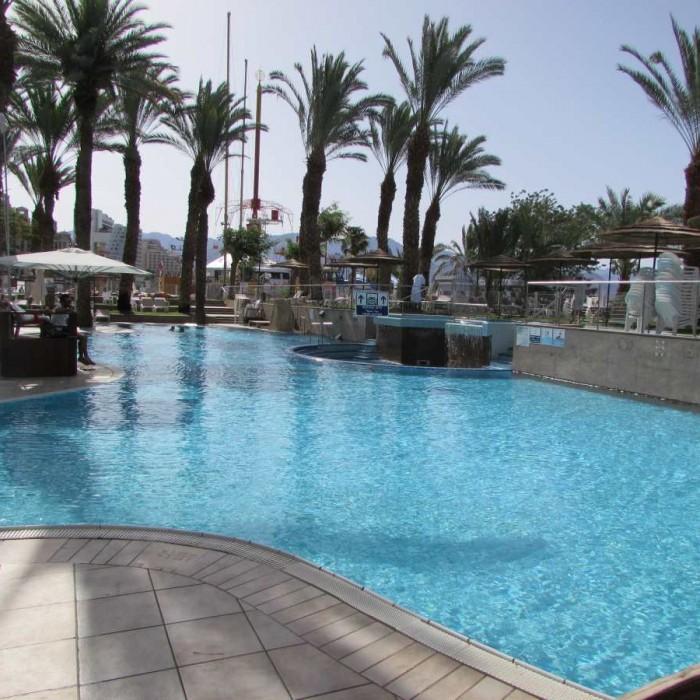 הבריכה מלון לאונרדות פלאזה אילת