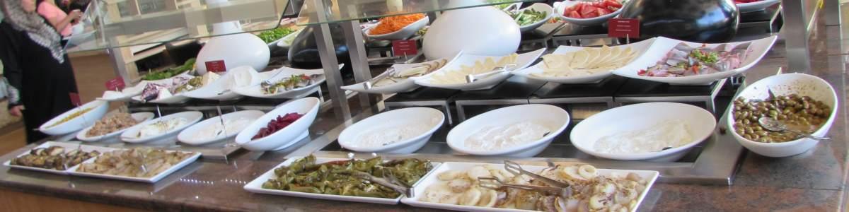 גבינות ודגים ארוחת בוקר מלון לאונרדו רויאל ריזורט אילת