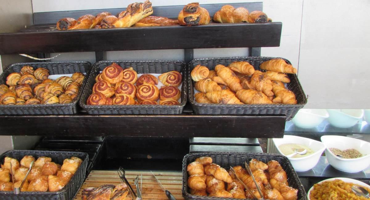 מאפים ארוחת בוקר מלון לאונרדו רויאל ריזורט אילת