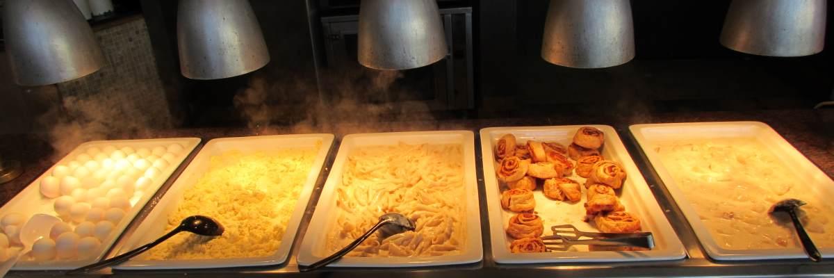 """פסטה, בורקס """"דברים כבדים"""" ארוחת בוקר מלון לאונרדו רויאל ריזורט אילת"""