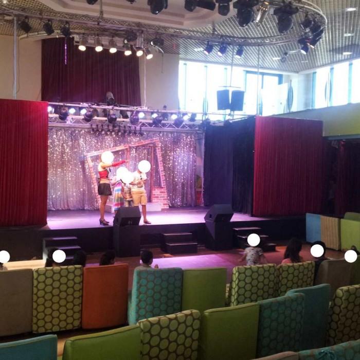 הופעה של הלהקה מלון מג'יק סאנרייז קלאב אילת
