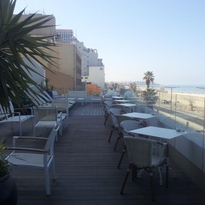 מרפסת צופה לים מלון אורכידאה תל אביב
