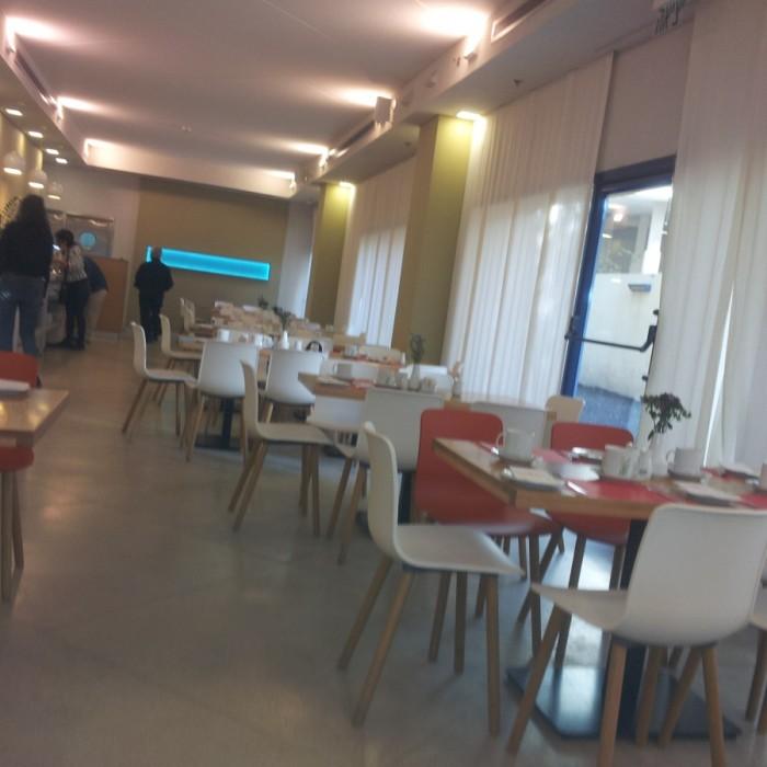 חדר האוכל מלון פרימה סיטי תל אביב
