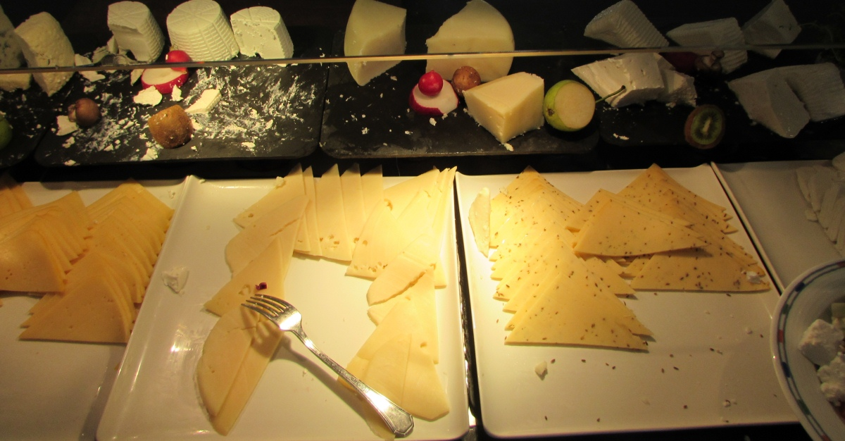 גבינות ארוחת בוקר מלון רויאל ביץ אילת