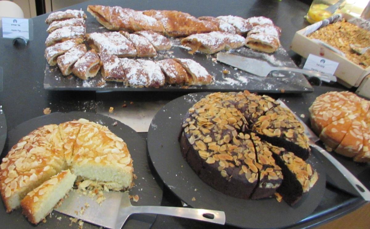 עוגות ארוחת בוקר מלון רויאל ביץ אילת