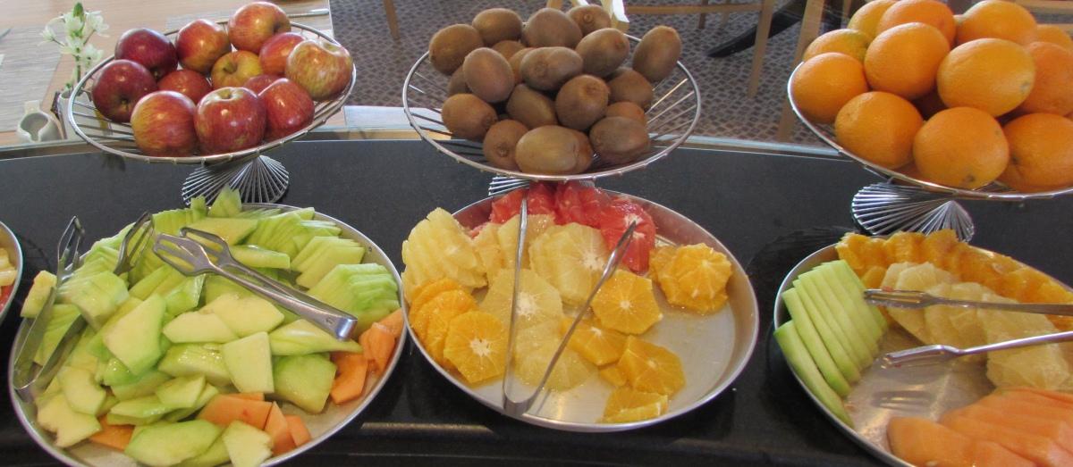 לפתנים ארוחת בוקר מלון רויאל ביץ אילת